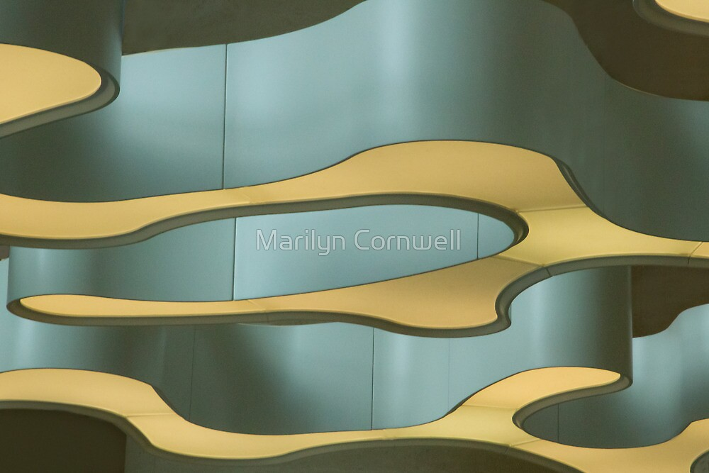 Sinuously II by Marilyn Cornwell