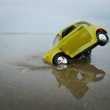 Fiat 500 on the beach by monsieurI