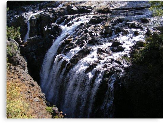 Waterfall by xomoosexo