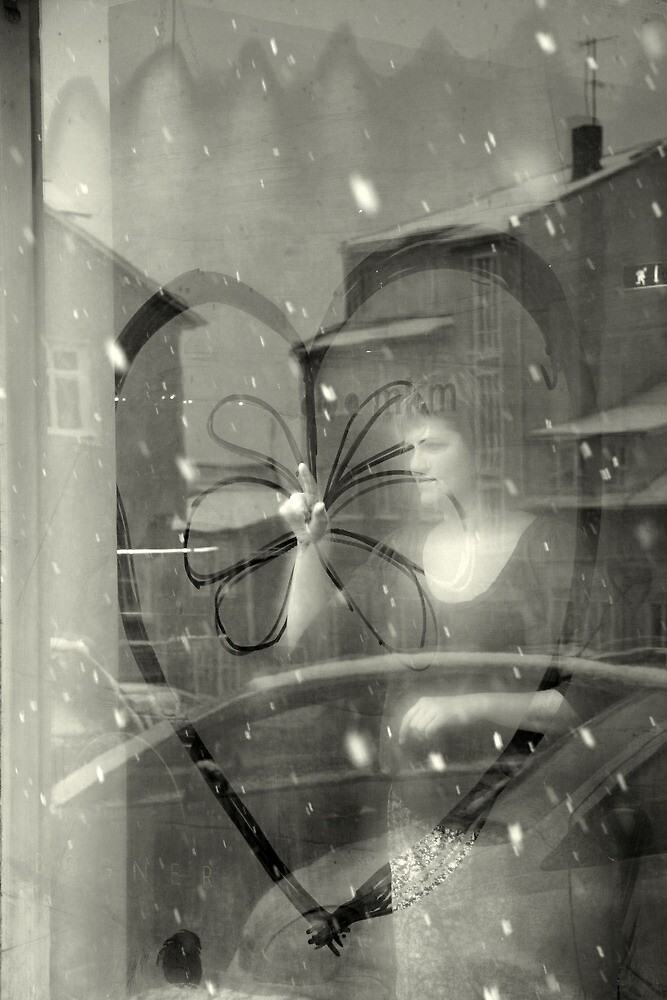 Window heart by Tomasz Chrapek