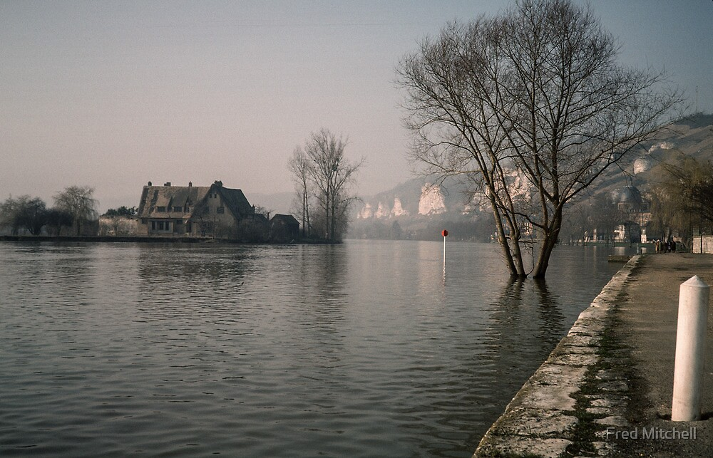 Seine nr Yearling Castle Les Andelays 19840216 0025 by Fred Mitchell