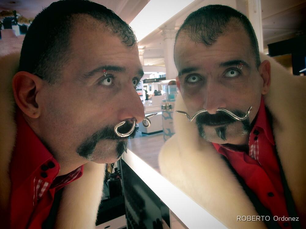 Mirror by BOBBYBABE
