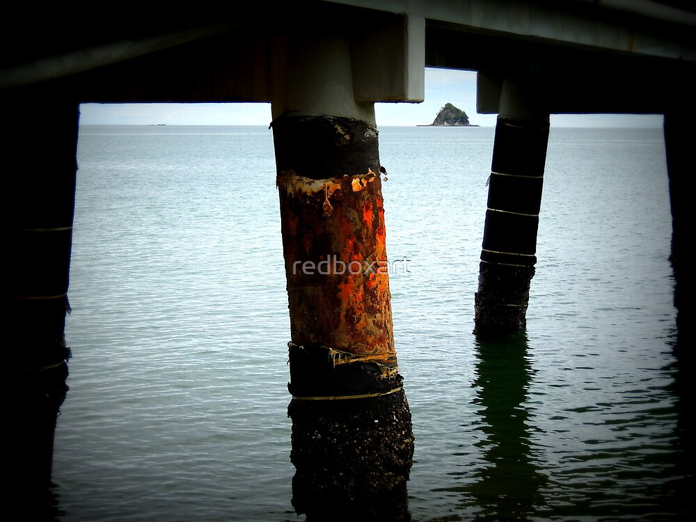 Pylon on the rust... Palm Cove by redboxart