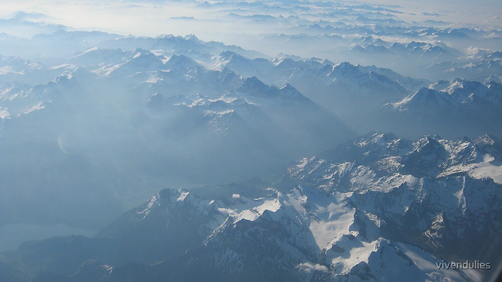 Birds View on the Alps VRS2 by vivendulies