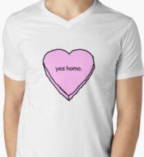 yes homo Men's V-Neck T-Shirt