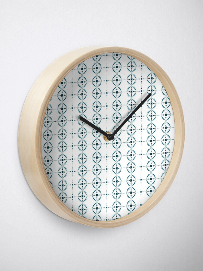 Alternate view of Soft Snowflakes Clock