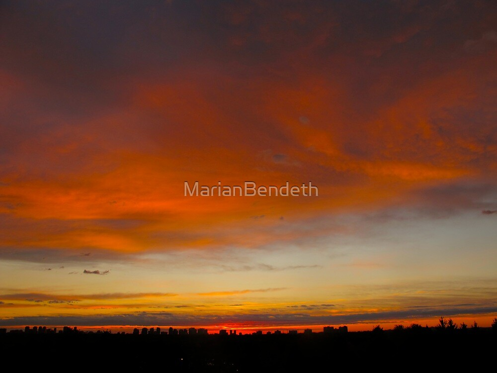 Cranberry sky by MarianBendeth
