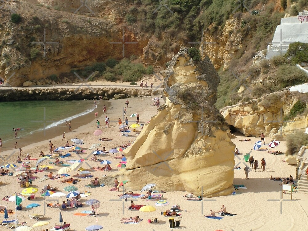 Albufeira beach II by Tom Gomez