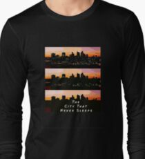 The city that never sleeps Long Sleeve T-Shirt