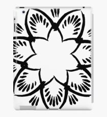 Simplistic and floral (Black and white~) iPad Case/Skin