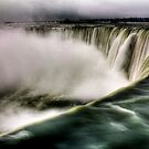 Niagara Falls by Andrew  MCKENZIE