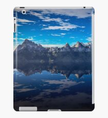 Rocky Island in the Blue iPad Case/Skin