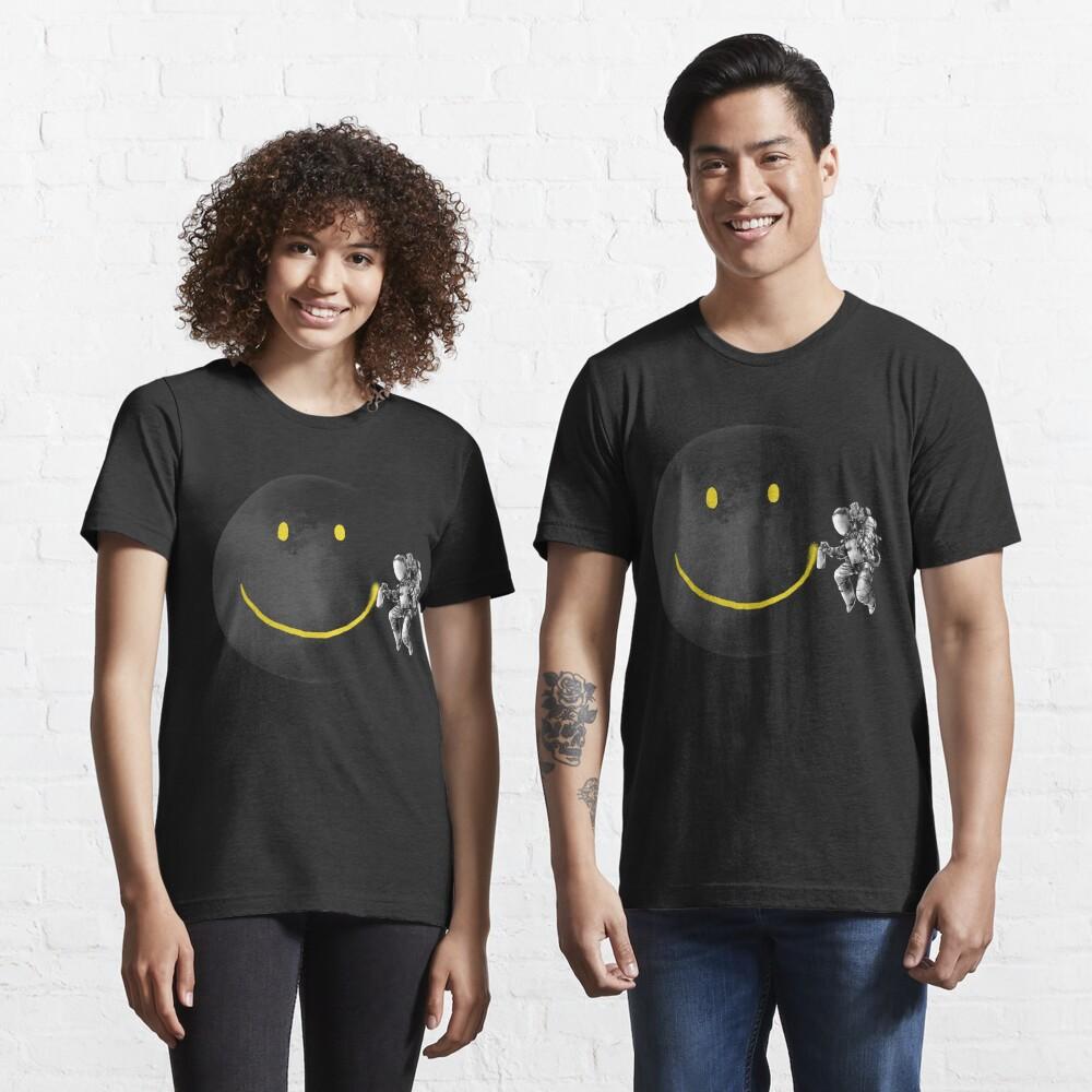 Make a Smile Essential T-Shirt
