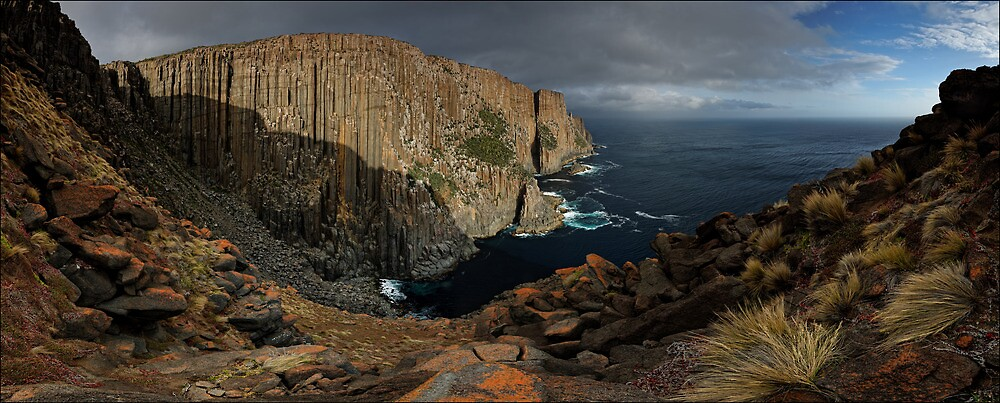 Cape Raoul Out Wide by Robert Mullner