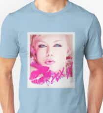 Poloroid Pink Kiss Unisex T-Shirt