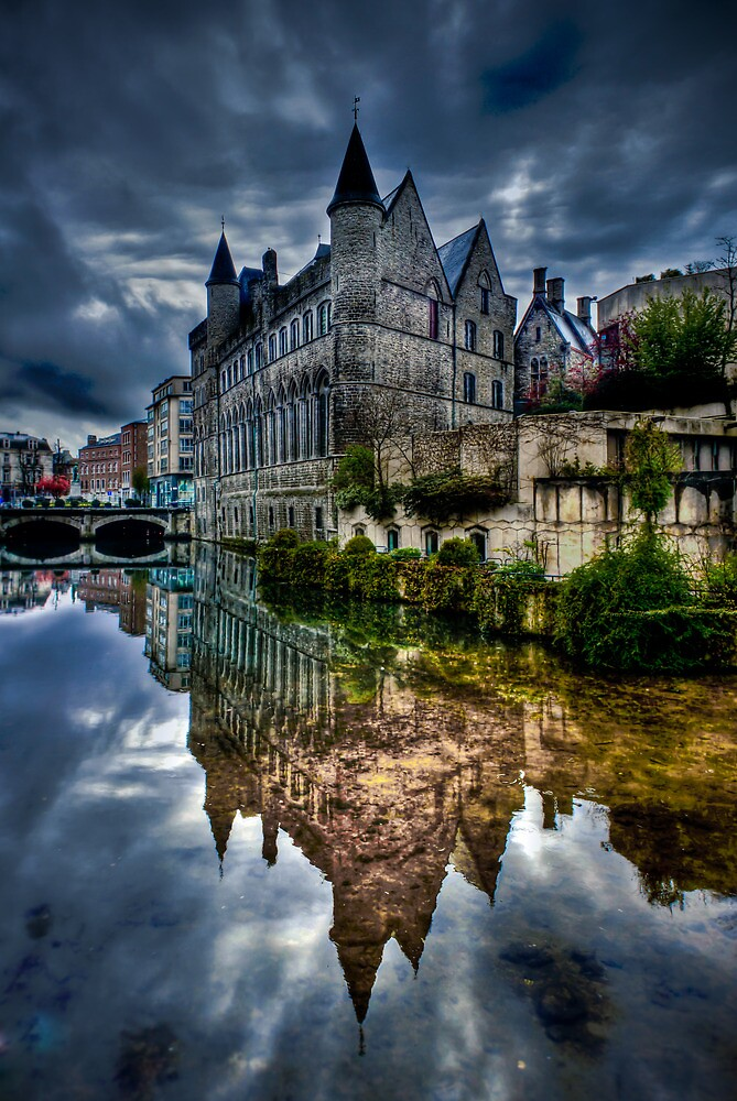 Reflected Belgian Castle by pixog