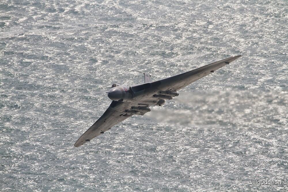 Avro Vulcan XH558 by willgudgeon