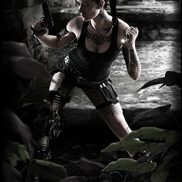 Lara by Glitchedmotion
