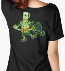 Leprechaun Balancing a Glass of Beer on his Head Women's Relaxed Fit T-Shirt