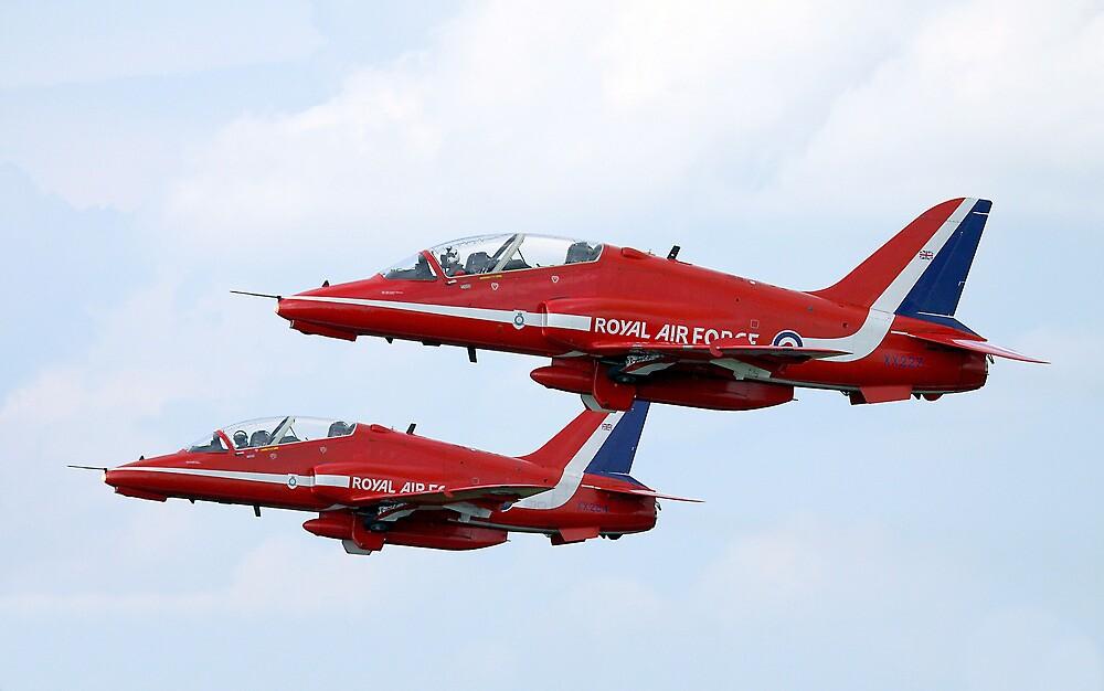 Red Arrows Pair by PhilEAF92