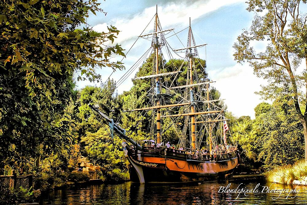 Pirate Ship  by Blondepixals