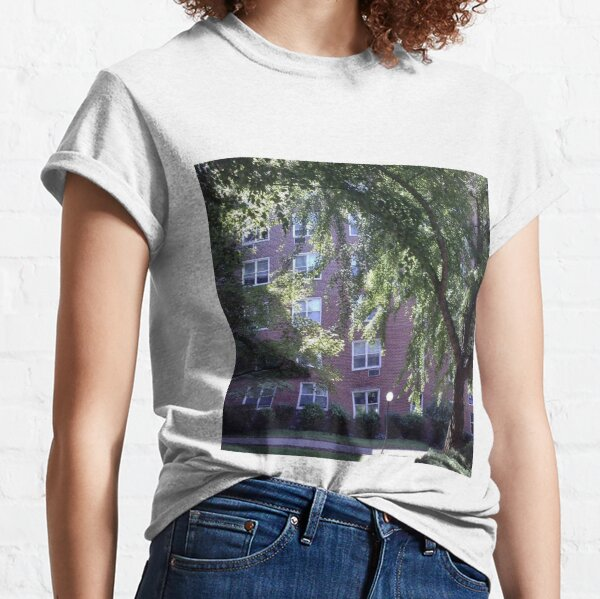Leaves of trees pierced by a sunbeam Classic T-Shirt