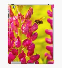 Bee Loves Lupin! iPad Case/Skin