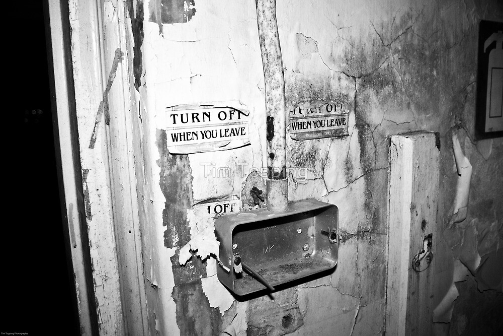 Turn light off when you leave by Tim Topping
