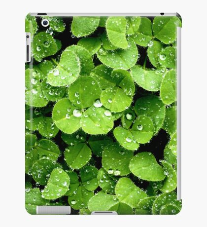 Clovers (available in iphone, ipod, & ipad cases) iPad Case/Skin