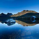 Dawn at Cradle Mountain, Tasmania by benivory
