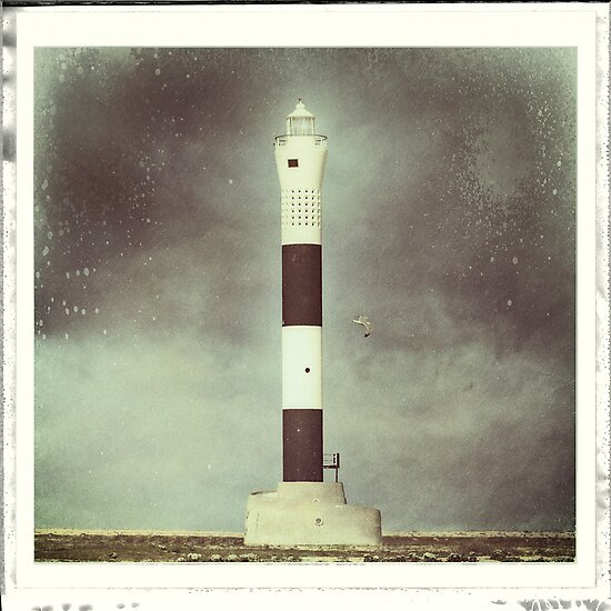 Dungeness 'New' Lighthouse by Nikki Smith