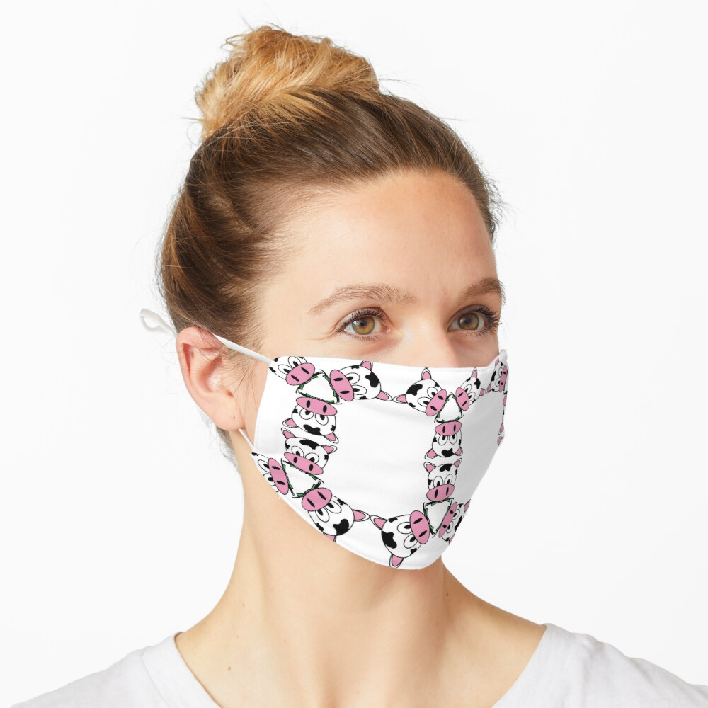 Strawberry Pink Cow Aesthetic Pattern Mask