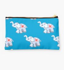 baby elephants with hearts on blue. Studio Pouch