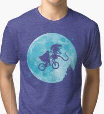 E.T. vs Aliens - transparent Tri-blend T-Shirt