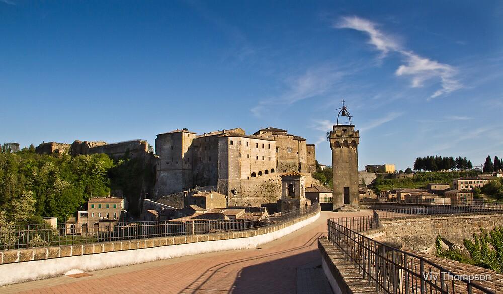 Sorano, Tuscany by vivsworld