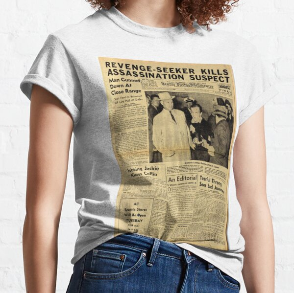Political Poster, Old Newspaper: Lee Harvey Oswald Shot Classic T-Shirt