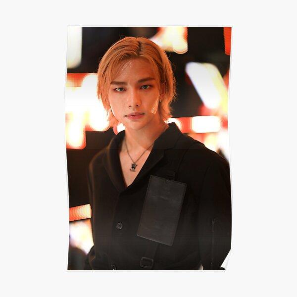 Hyunjin aux cheveux longs de Stray Kids Poster