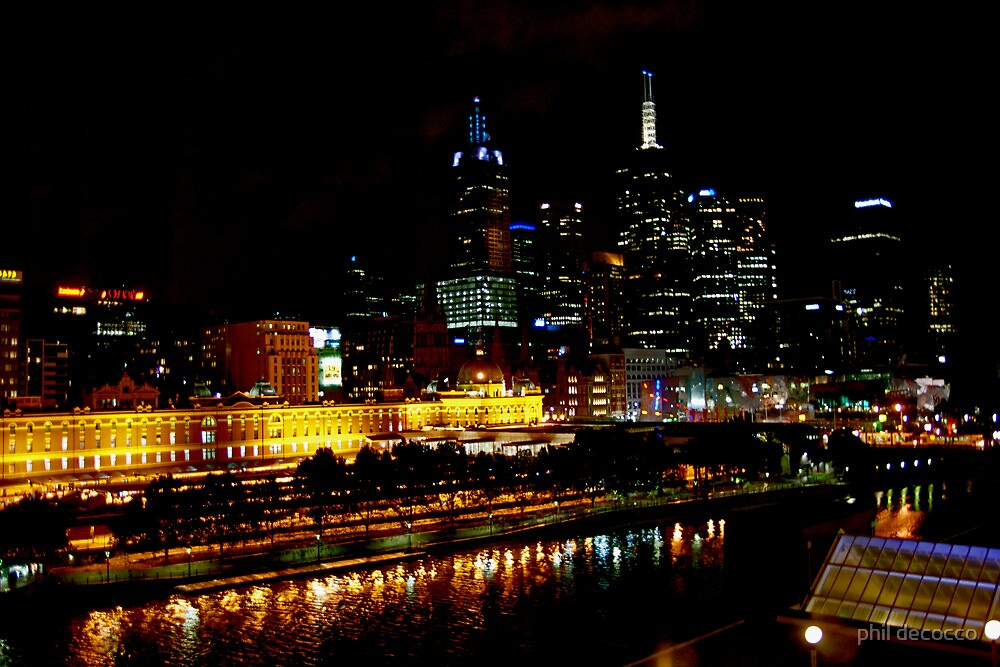 Melbourne By Night by phil decocco