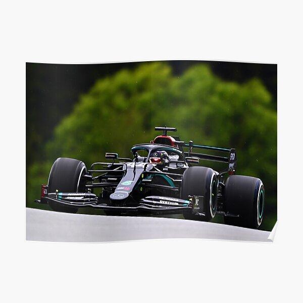 Lewis Hamilton racing pendant la livrée noire du Grand Prix d'Autriche 2020 Poster