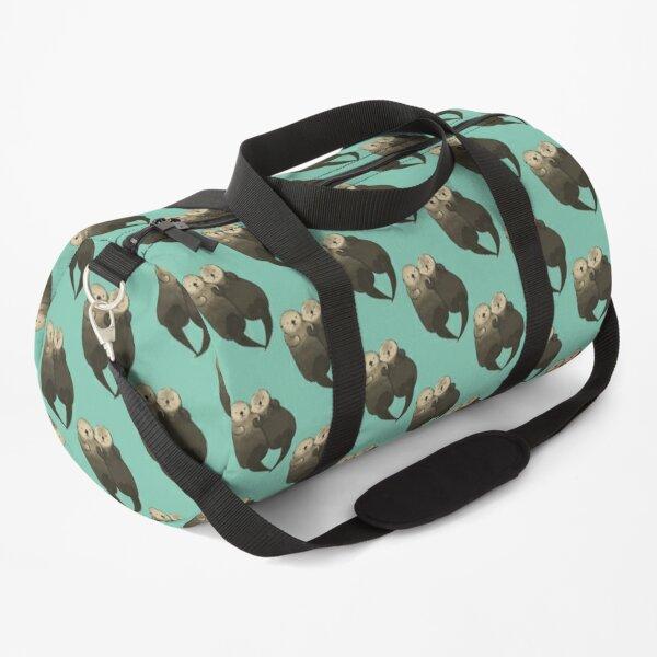 Bedeutende Otter - Otter, die Hände halten Sporttasche