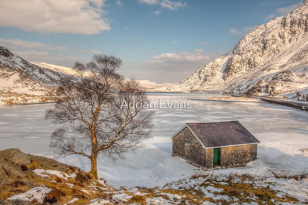 Frozen Lake Ogwen by Adrian Evans