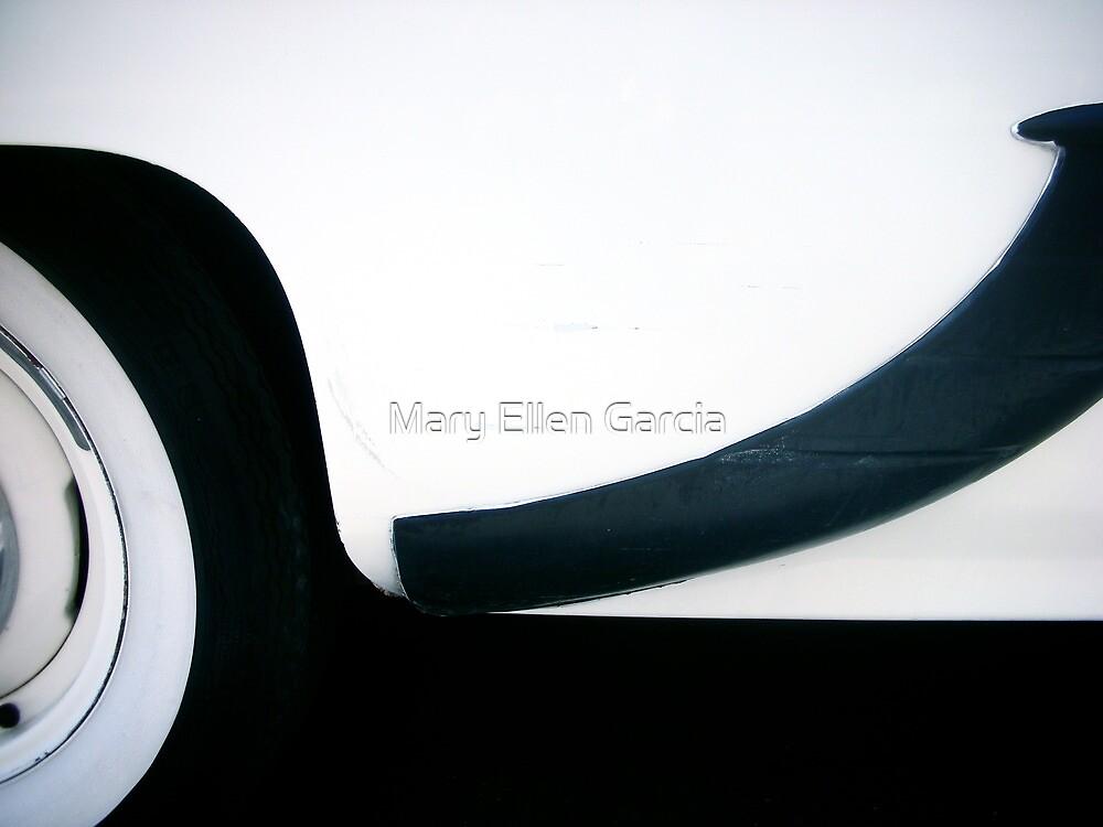 Beauty in Line by Mary Ellen Garcia