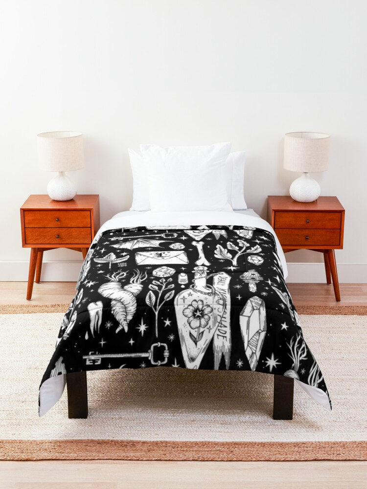 Alternate view of into the Witch's Garden Comforter