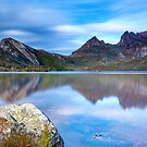 Dove Lake by John Dekker