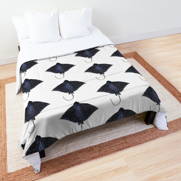 Spotted eagle ray Comforter