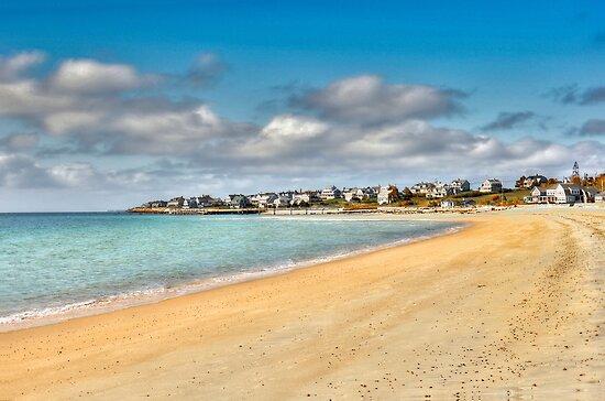 Round Hill Beach by Poete100