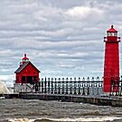 Grand Haven Lighthouse by cherylc1