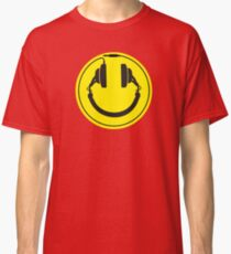 Headphones smiley wire plug Classic T-Shirt