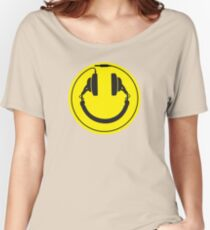 Headphones smiley wire plug Women's Relaxed Fit T-Shirt