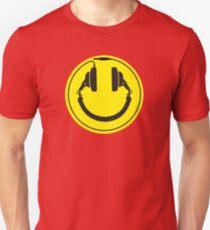 Headphones smiley wire plug Slim Fit T-Shirt